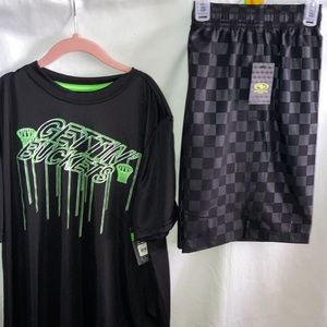 #2333NWT Boys Athletic wear shirt and shorts set